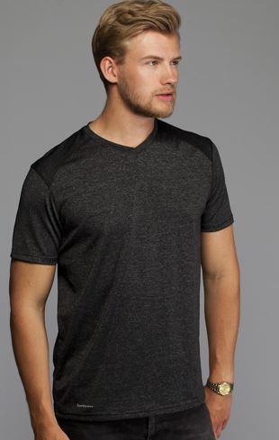 DHL T-shirt CoolDry til damer og herre kommer i flere fraver og i dame og herre model