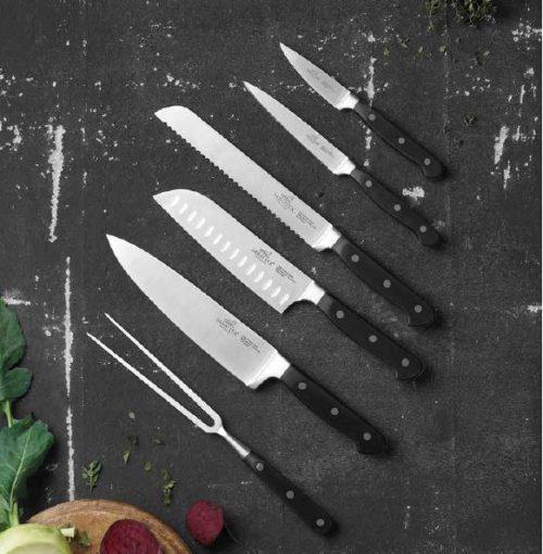 Lion sabatier pluton knivsæt 6 dele. Virkelig godt sæt som dække de fleste dagligdags decipliner i køkkenet