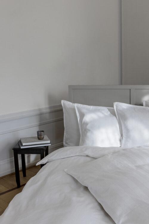 Georg Jensen Eksklusivt sengetøj. Double stripe kommer i 2 farver og størrelser.