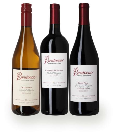 Vinpakke fra USA, et rigtigt flot sæt på 3 fl. og 3 forskellige druer. Der venter en god oplevelse og en fine flaske at servere. God fornøjelse.