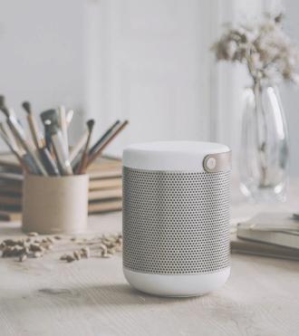 KREAFUNK aMAJOR bluetooth speaker, der både ser fantastisk ud og giver lyden de bedste betingelser. Bassen er dyb og klar, fylder ethvert rum