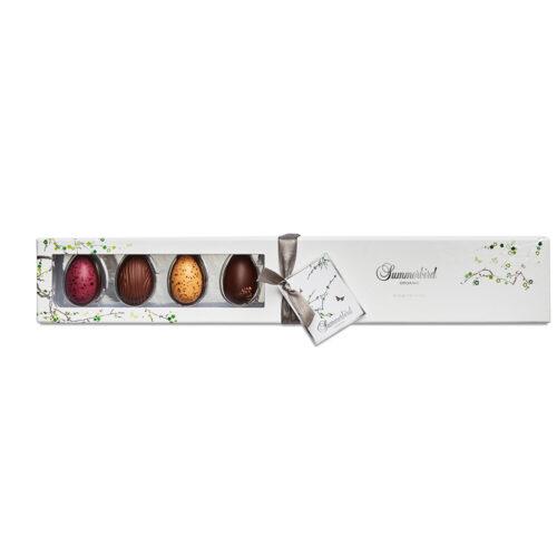 Summerbird 9 stk. classic påskeæg er vores påskebud på en æske, der både hylder de klassiske smage og den moderne gastronomi. Raffineret gaveæske, fyldt med en variation over vores populære økologiske påskeæg