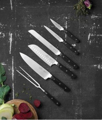 Lion Sabatier knivsæt 6 dele, denne pakker er afPluton knivserien, klassisk i sit udtryk. Et kvalitetsprodukt som er så kendt fra Lion Sabatier.