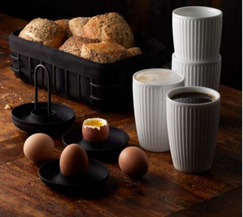 Pillivuyt og zone morgensæt, start dagen med en god morgenmad. Nyd i ro, nyd et varmt krus te eller kaffe, et blødkogt æg eller en croissant,