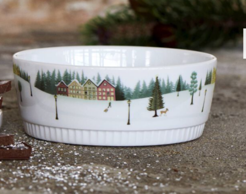 Pillivuyt ny serie Vinter skål.Vinter er Pillivuyts hyggelige stel, som både kan bruges til juleborde og andre festlige lejligheder