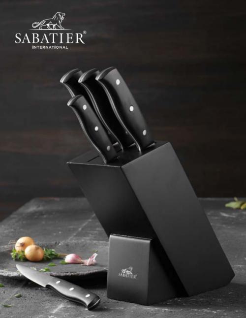 Lion Sabatier knivblok 6 dele. Et rigtig godt sæt som er meget dekorativt og med 5 knive er man klar til udfordringerne i køkkenet
