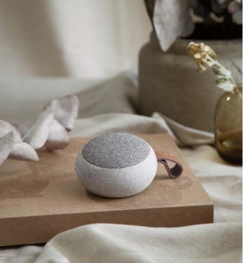aGO CARE MINI BLUETOOTH HØJTALER, er en lille højtaler med overraskende kraftfuld lyd, der virkelig gør denne Bluetooth højtaler speciel.